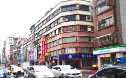 混乗車にて台北市内へ